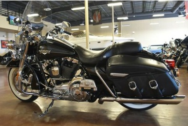 2011 Harley Davidson Road King Classic FLHRC Touring